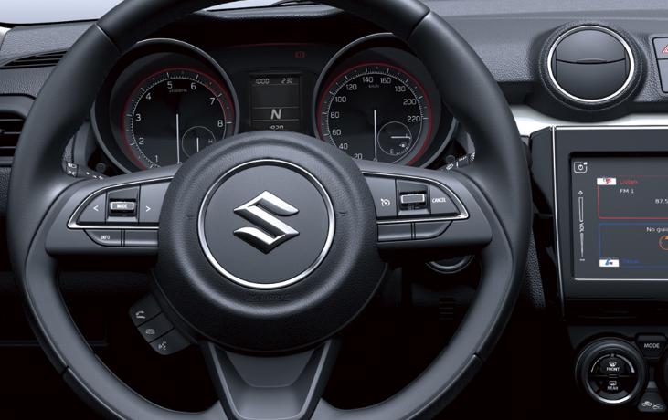 El interior del Suzuki Swift 2020 precio en México no proyecta refinamiento o elegancia, pero resulta funcional y confortable tomando en cuenta sus dimensiones y categoría