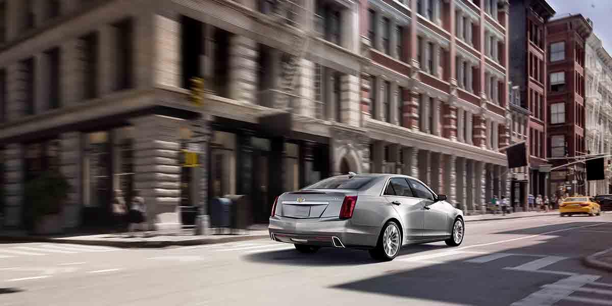 El Cadillac CTS Premium 2019 tiene una fuerte presencia por su diseño icónico