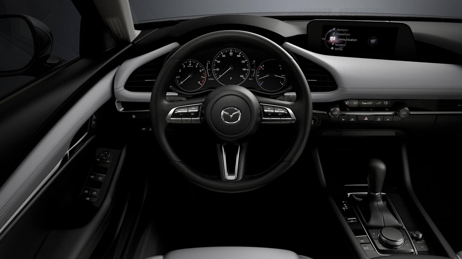 El manejo de la Mazda 3 Sedan 2020 i Grand Touring resulta entretenido por el buen desempeño del motor y la transmisión