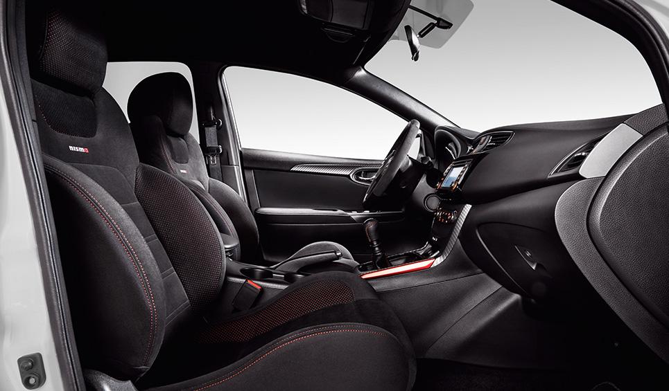 El Nissan Sentra Nismo 2019 tiene una cabina espaciosa