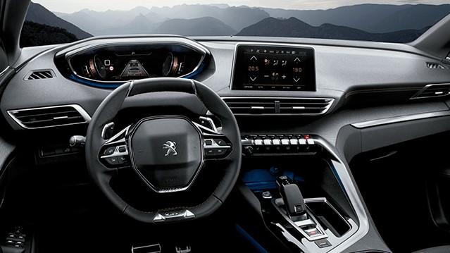 La cabina de la Peugeot 5008 GT Line HDi 2020 tiene un diseño diferenciador que refleja la filosofía de la marca