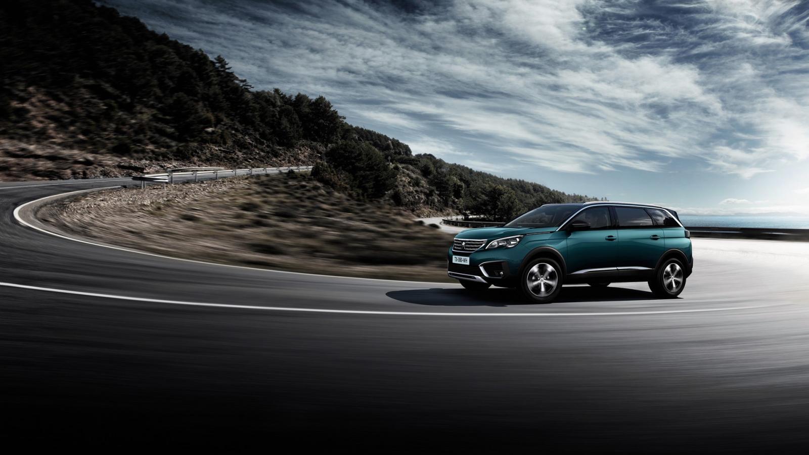 La Peugeot 5008 GT Line HDi 2020 entrega una grata sensación de control al volante