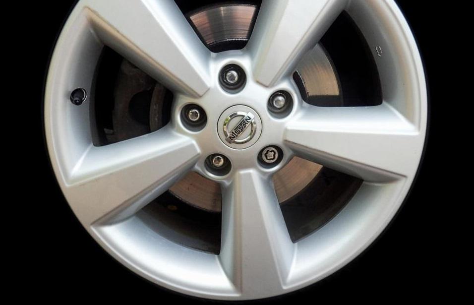 Birlo Tuercas de seguridad para llantas Nissan