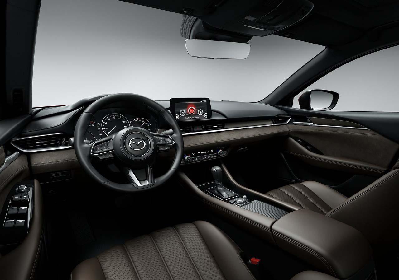 El Mazda 6 tiene un interior bastante cómodo