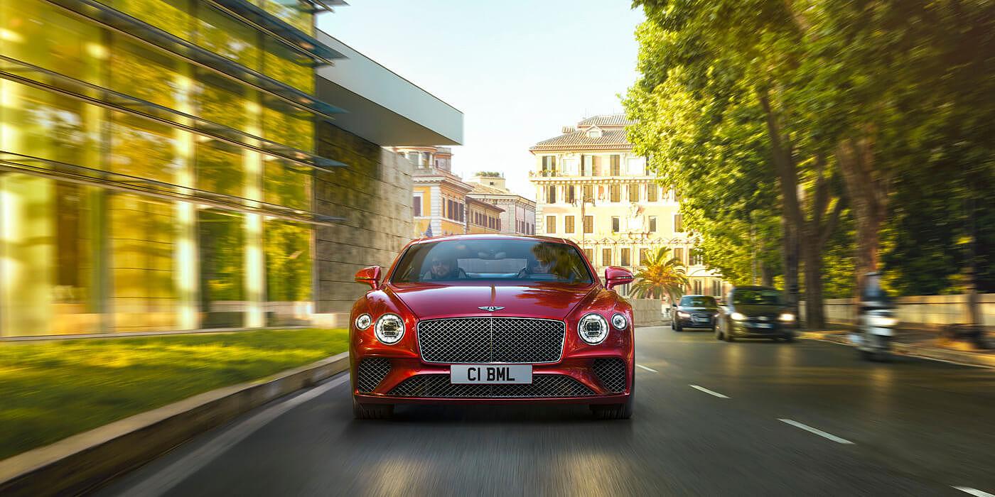 El Bentley Continental GT V8 2020 no pasa desapercibido en ningún lado