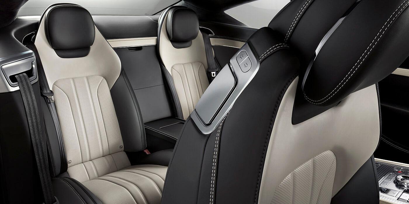 El Bentley Continental GT V8 2020 no ofrece demasiado espacio en la segunda línea