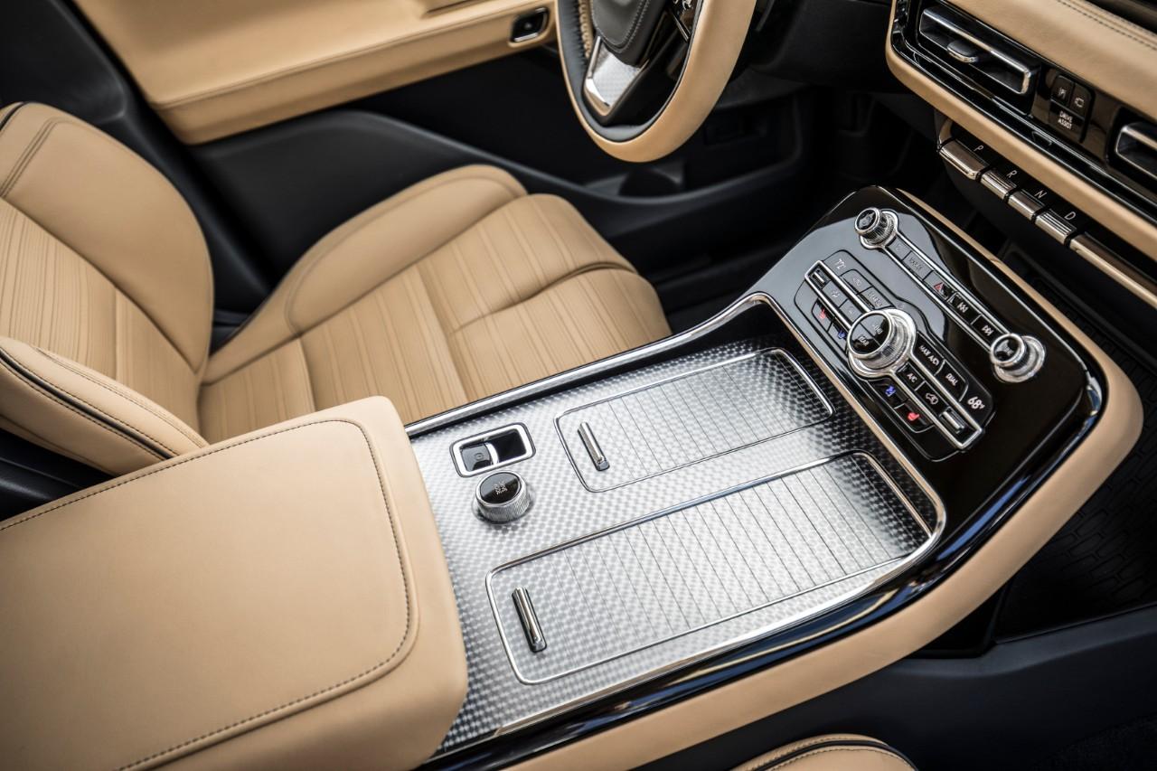 Lincoln-Aviator-2020-interior