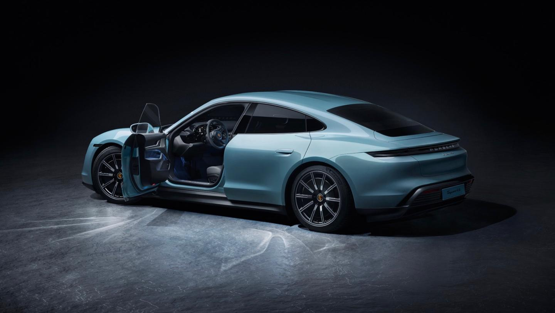 Porsche Taycan 4s estribos