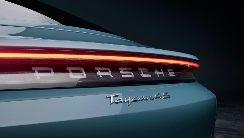 Porsche Taycan 4S logo