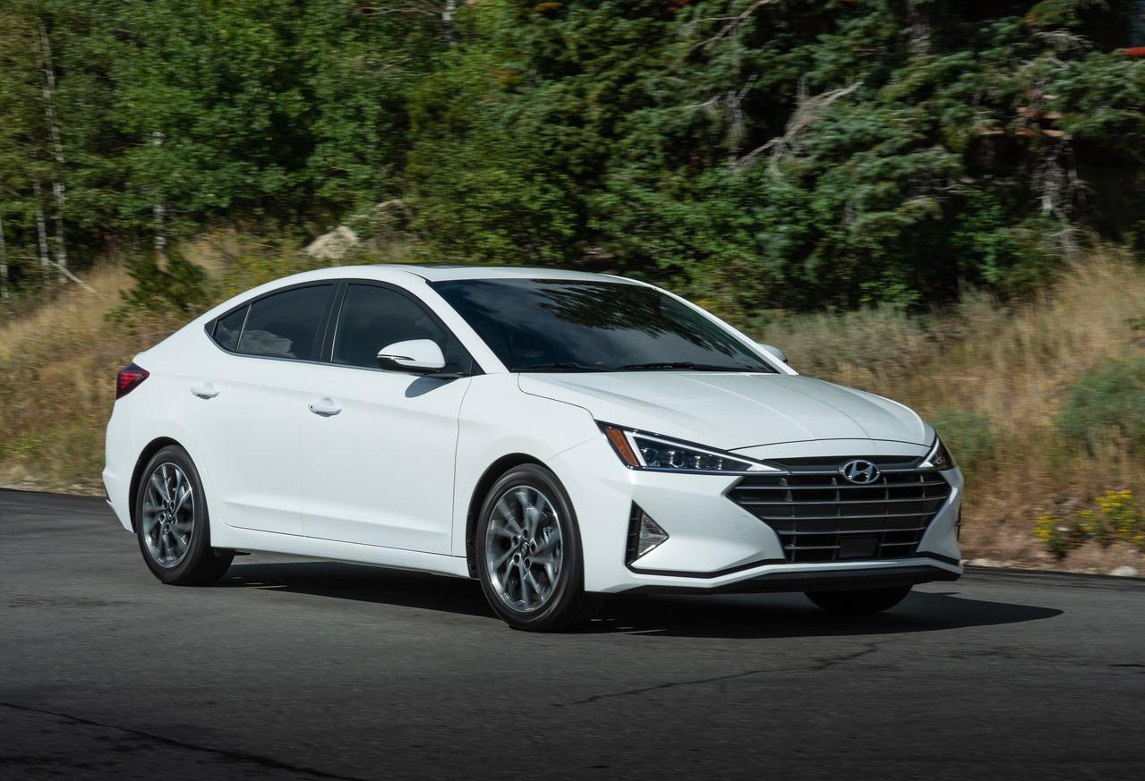 Hyundai Elantra Premium 2020 resena ventajas desventajas