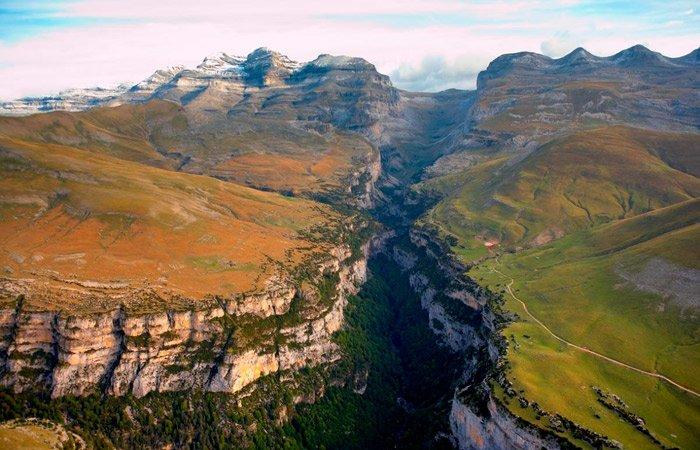 Las carreteras mas peligrosas del mundo Cañón de Añisclo en Huesca