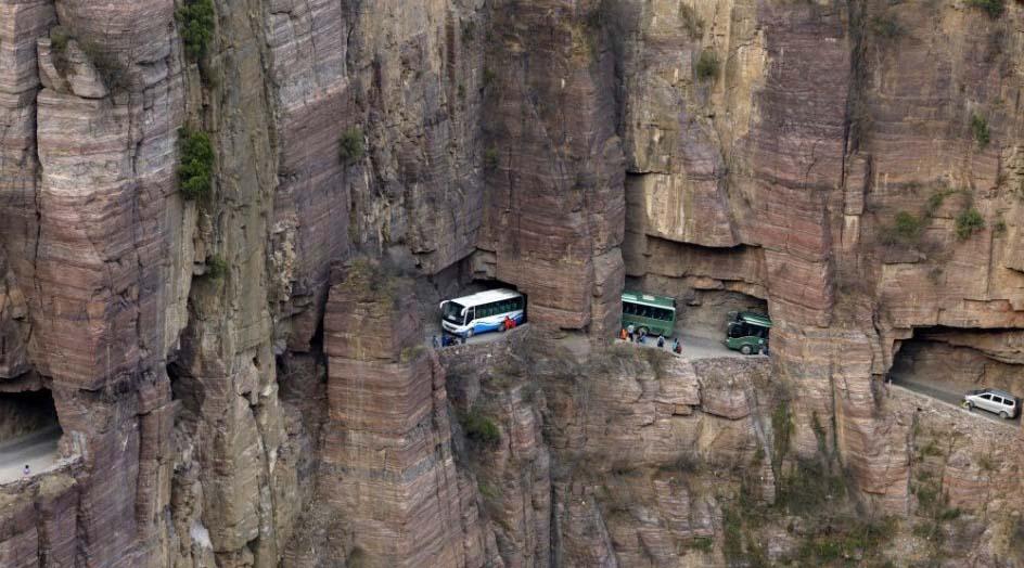 Las carreteras mas peligrosas del mundo Túnel de Guoliang en China