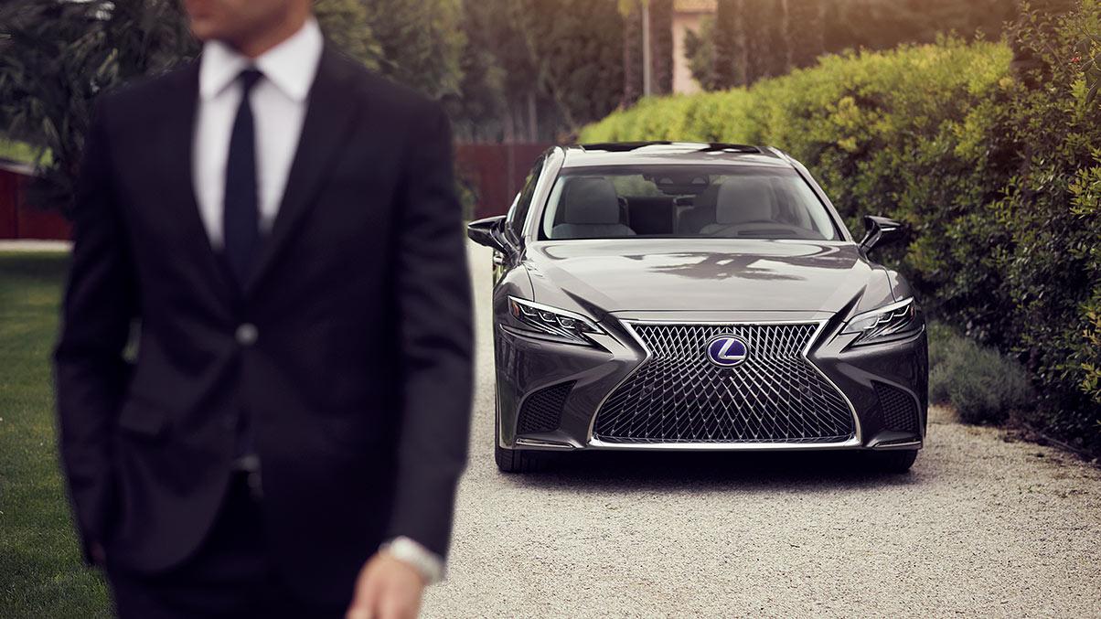 El Lexus LS 500h es un sedán de lujo con cartas de sobra para competir en este segmento dentro del país
