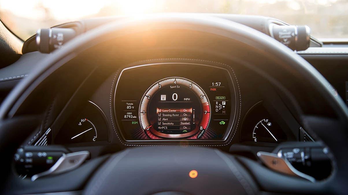 El sistema híbrido del Lexus LS 500h entrega gran potencia, pero no es el mejor en rendimiento de combustible