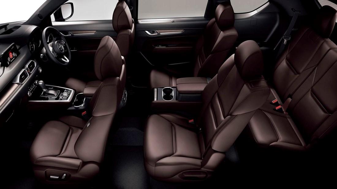 La Mazda CX-8 2020 mejora en el apartado de la comodidad y la tecnología y en cabina