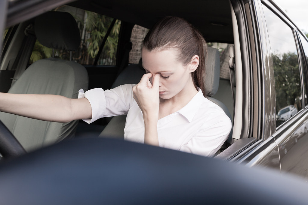 Medicamentos y conduccion: Mujer cansada