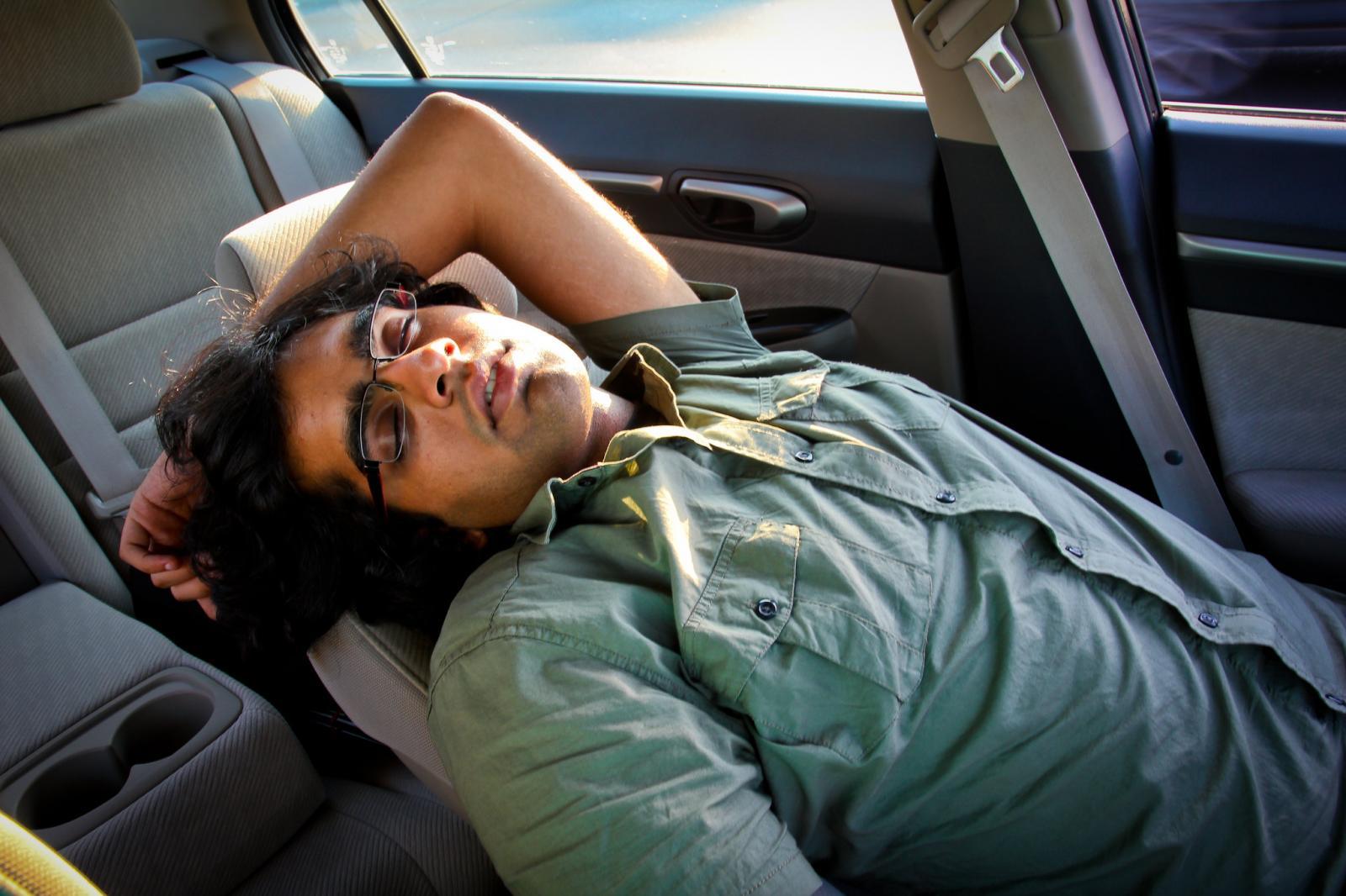 Medicamentos y conduccion: Hombre dormido