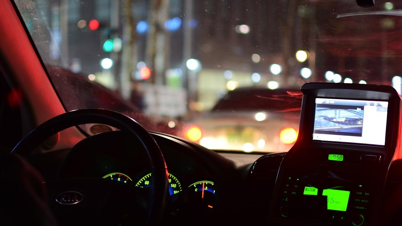 Conducción nocturna navegación