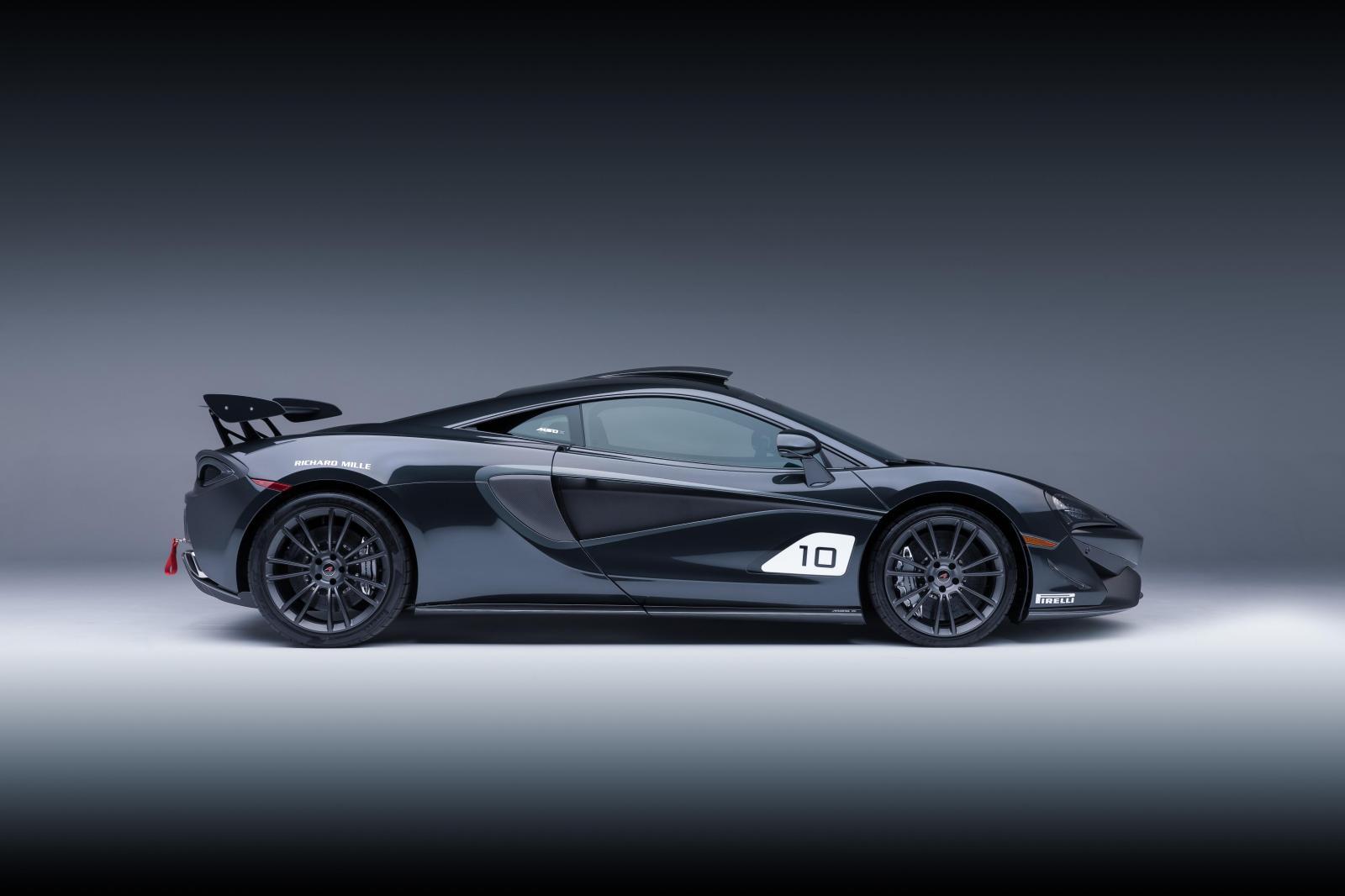 Aerodinamica coches coche deportivo de color negro