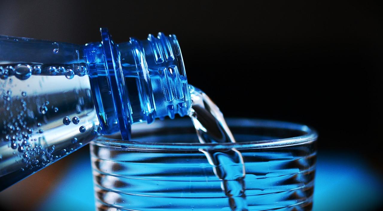 La hidratación es importante para una conducción segura