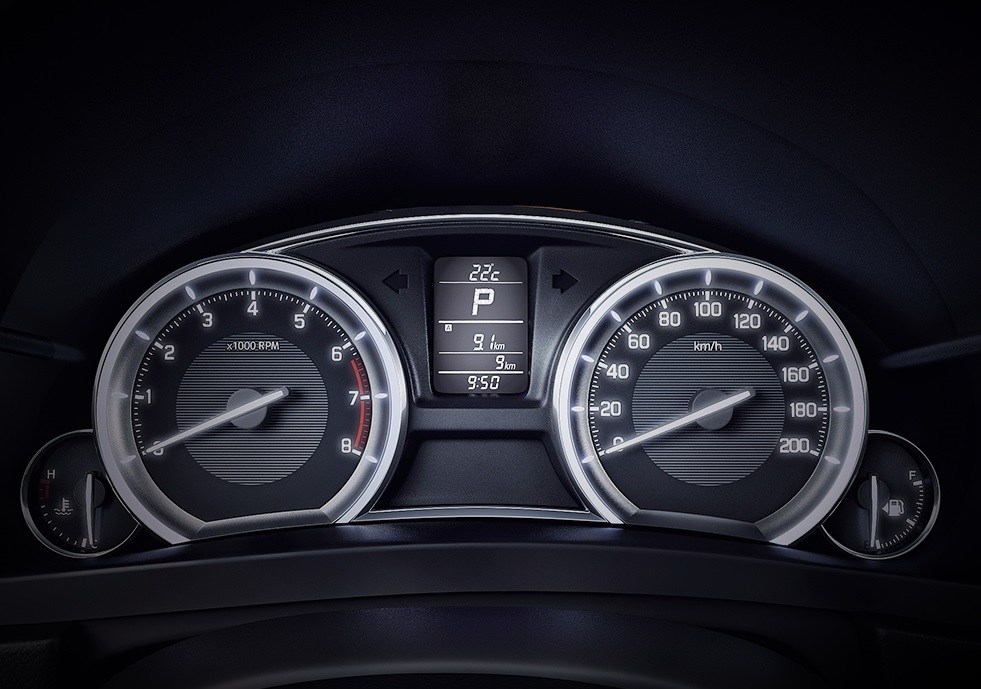 Suzuki Ciaz RS 2020 resena ventajas desventajas