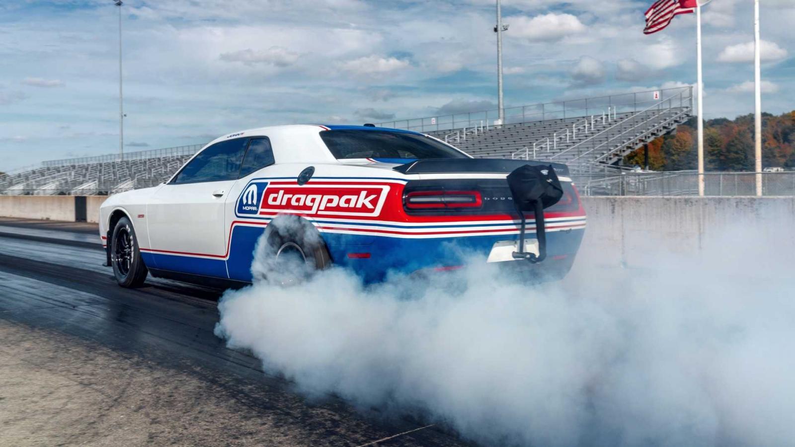 El Dodge Challenger Drag Pak 2020 fue uno de los grandes atractivos del SEMA Show