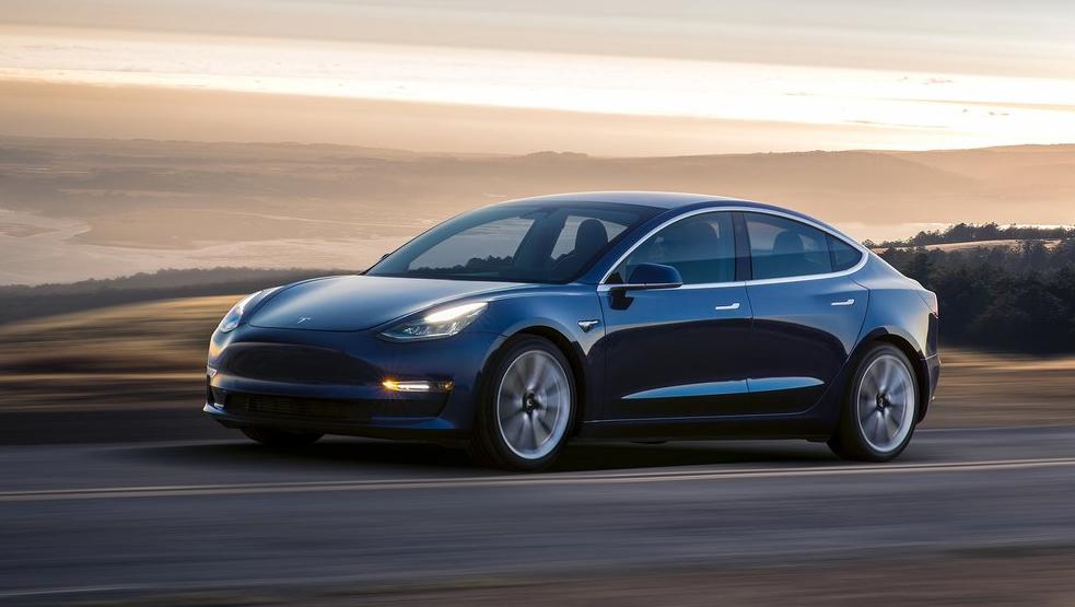 El Tesla Model 3 derrotó al Hyundai Ioniq en materia de eficiencia energética