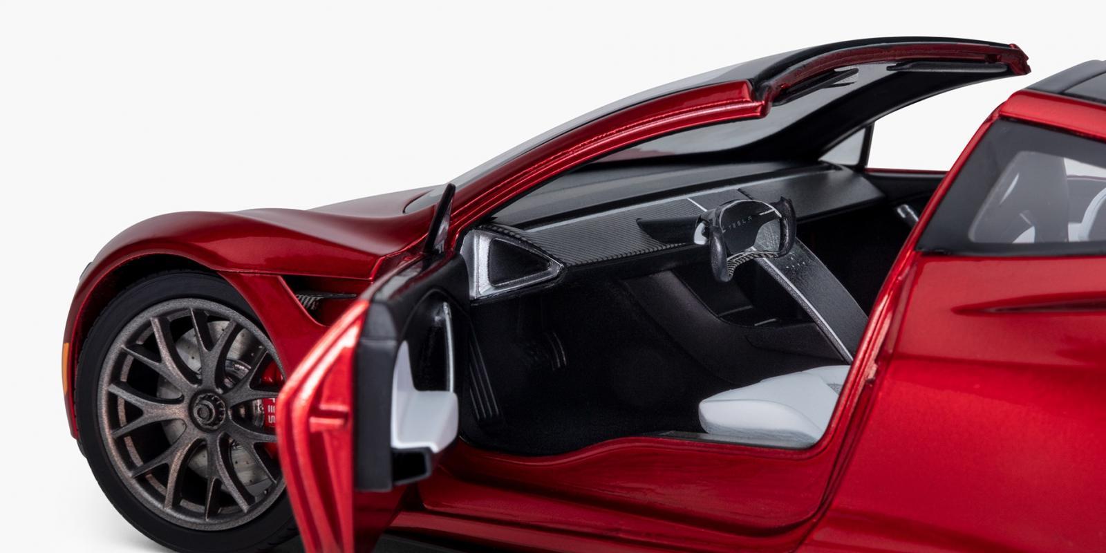 Tesla Roadster a escala