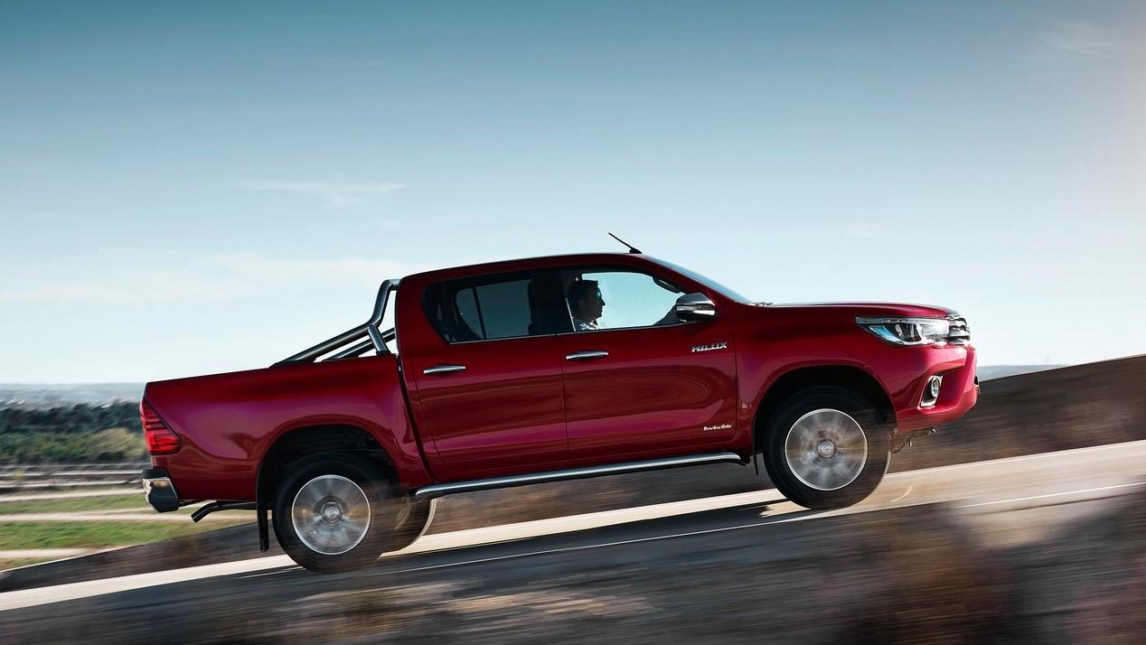 Toyota Hilux color rojo