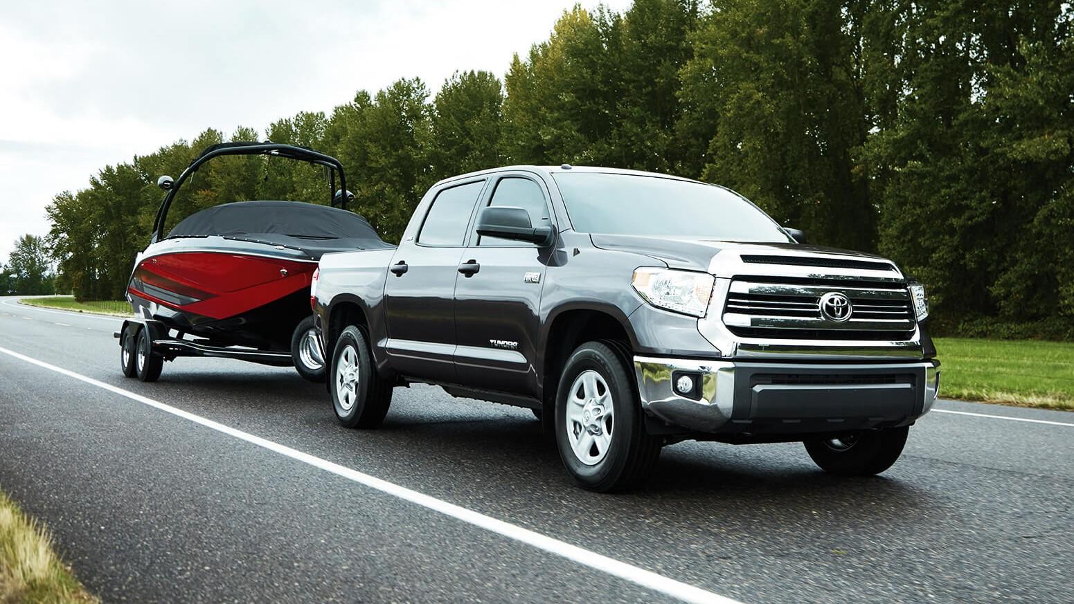La Toyota Tundra 1794 2020 es una camioneta que responde de buena forma en el trabajo pesado