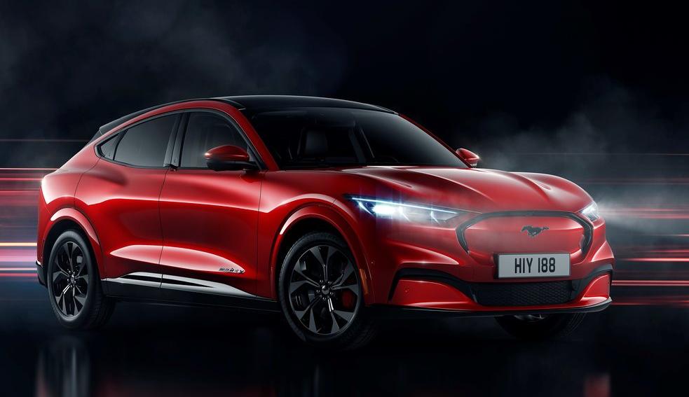 Elon Musk dejó de lado la futura rivalidad contra la Ford Mustang Mach-E