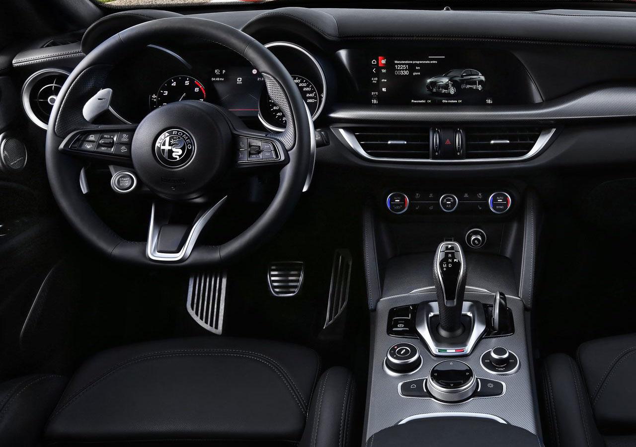 Alfa Romeo Stelvio desde el interior