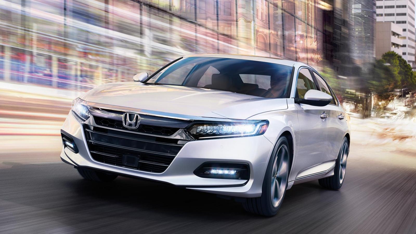 El Honda Accord Touring 2020 es un sedán divertido de conducir