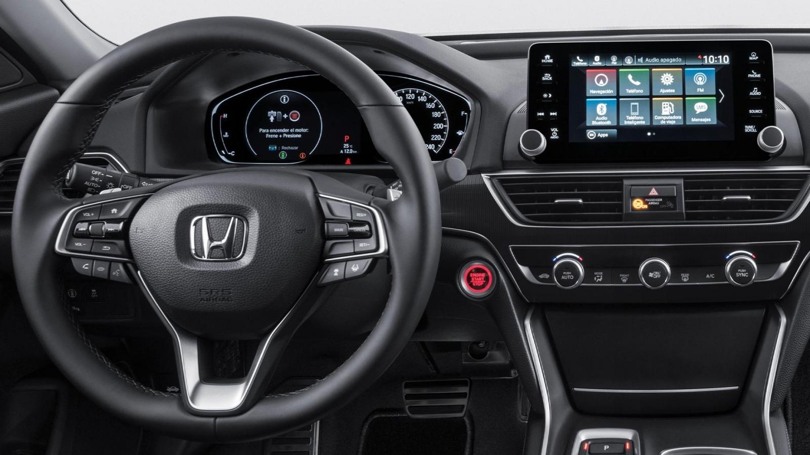 El Honda Accord Touring 2020 tiene una cabina construida con materiales de buena calidad