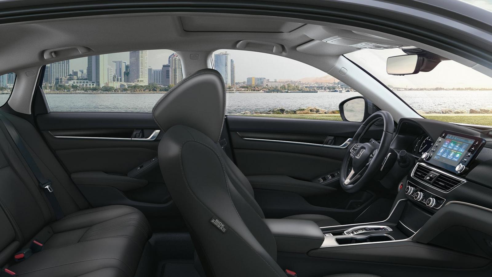 La cabina del Honda Accord Touring 2020 ofrece gran espacio a los pasajeros