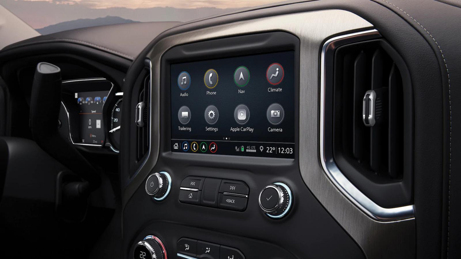 La GMC Sierra AT4 2020 marcha con buen nivel de equipamiento tecnológico