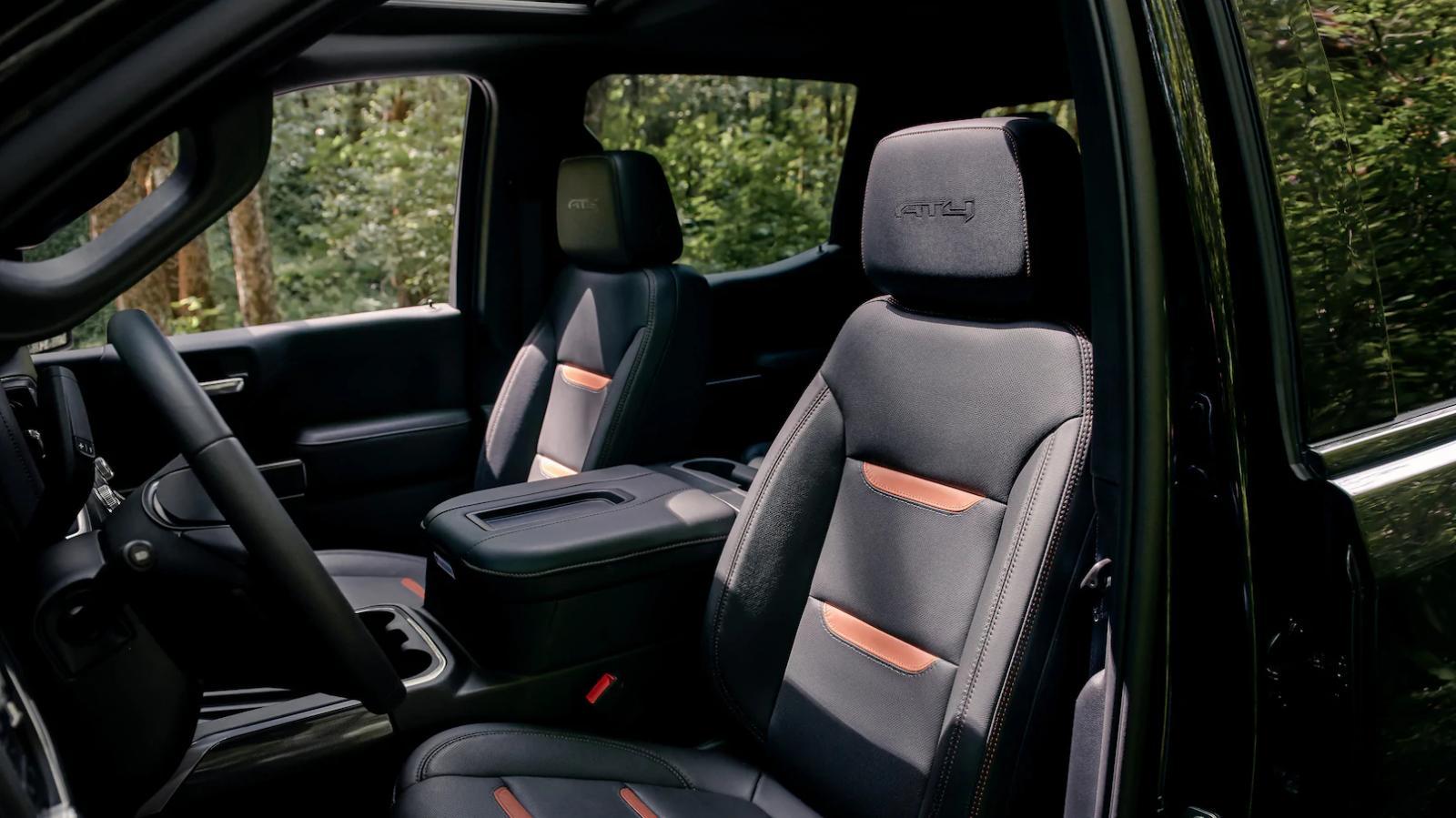 La GMC Sierra AT4 2020 lleva asientos con tecnología calefactable