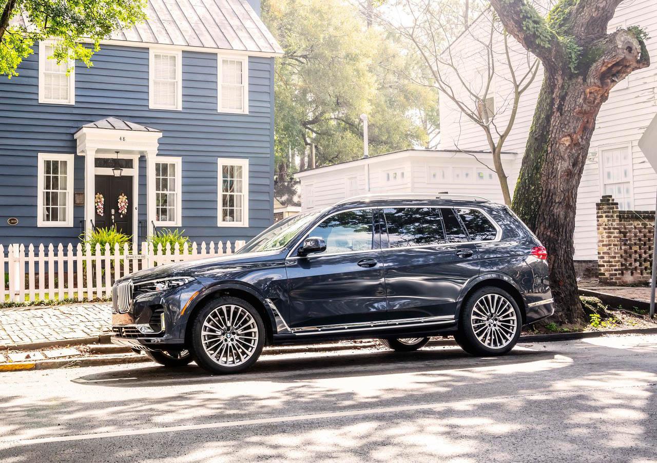 La BMW X7 xDrive40iA Pure Excellence 2020 tiene mucho equipamiento