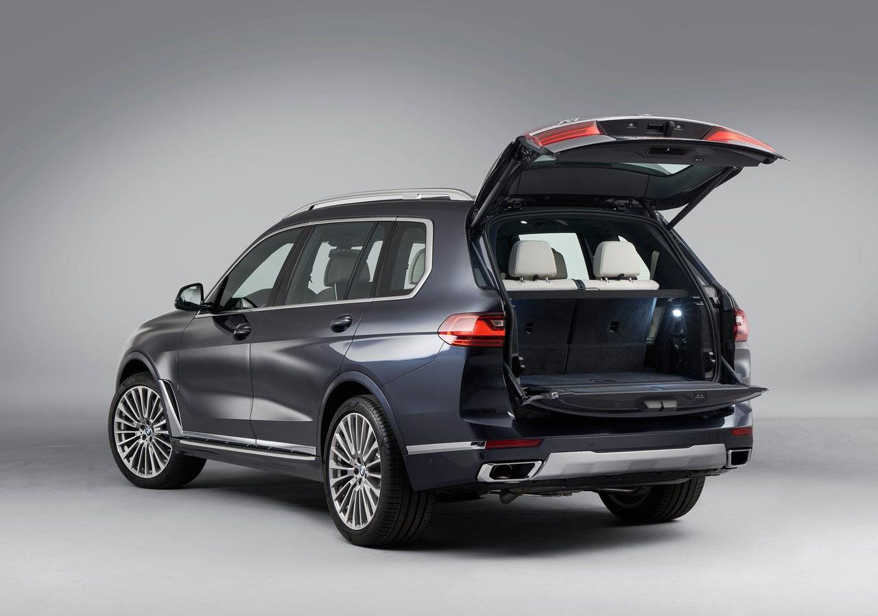 La BMW X7 xDrive40iA Pure Excellence 2020 presume de espacio interior