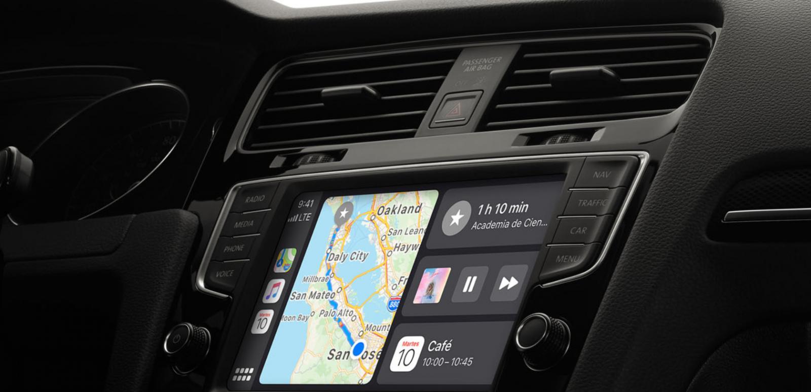 Para utilizar Apple CarPlay se requiere de un auto compatible y un iPhone
