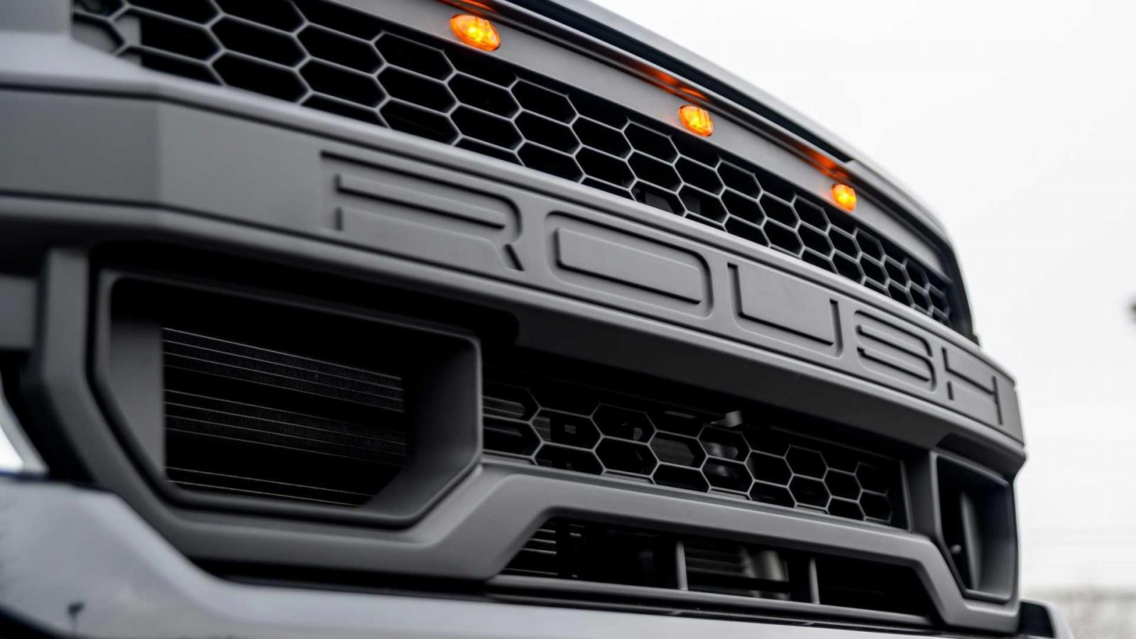 La Ford F-150 de Roush Performance tiene un aspecto más radical y capaz para las experiencias todoterreon