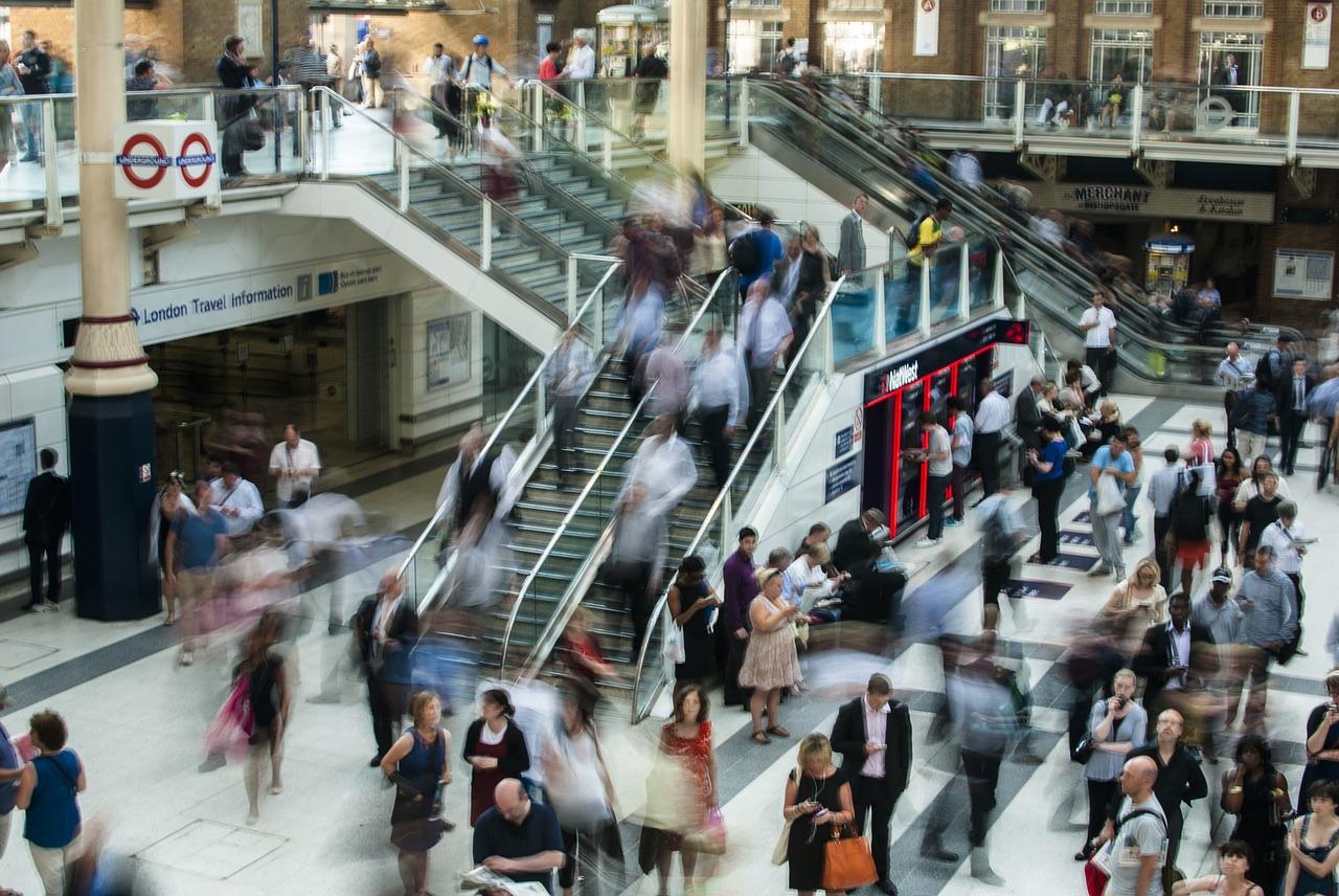 Las compras de pánico complican el tráfico en zonas comerciales