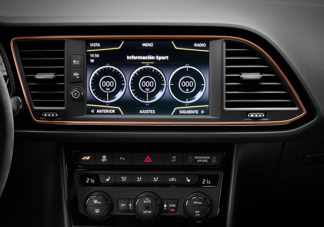 El SEAT León Cupra 2020 resena opiniones tiene pantalla al centro del tablero