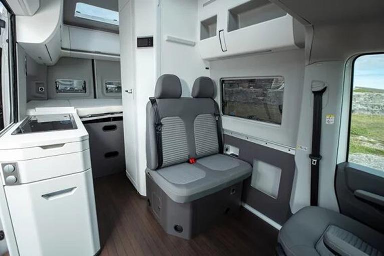 La Volkswagen Gran California tiene un interior cómodo