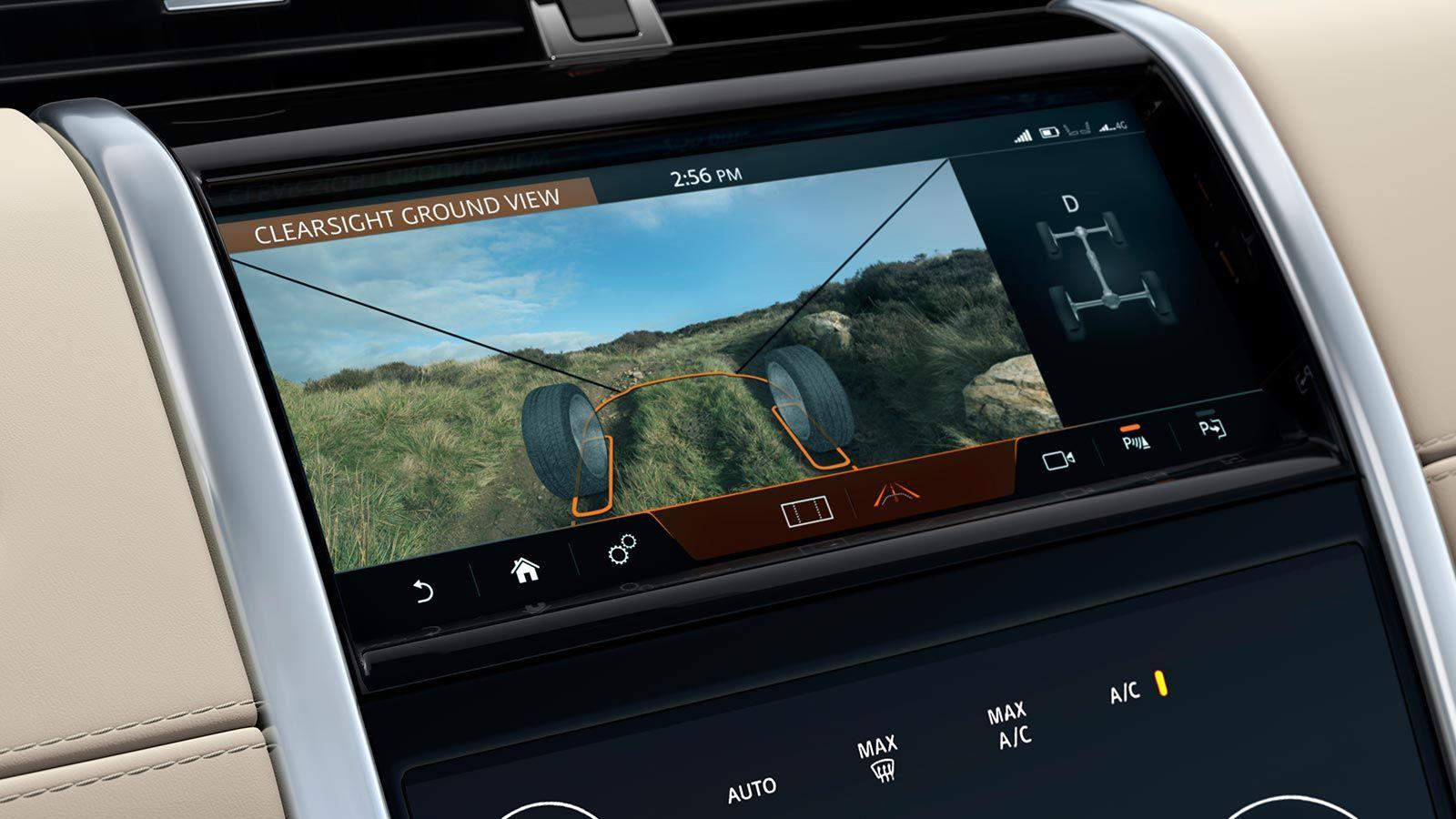 La pantalla de la consola central de la Land Rover Discovery Sport 2020 precio en México no luce tan sofisticada como la que se monta en otras versiones superiores