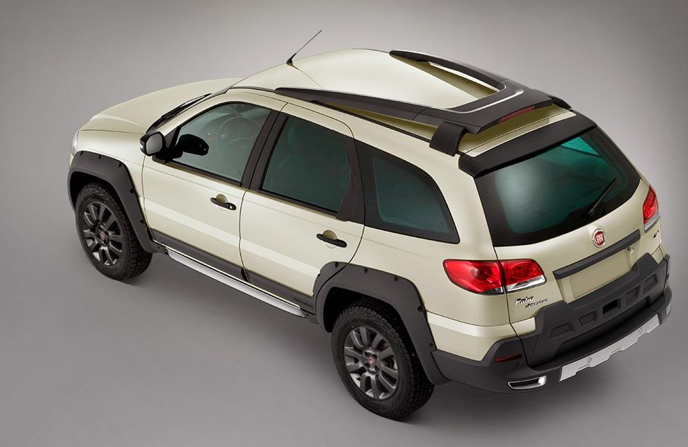 FIAT Palio Adventure Dualogic 2020 Presume barras de techo para ampliar la capacidad de carga