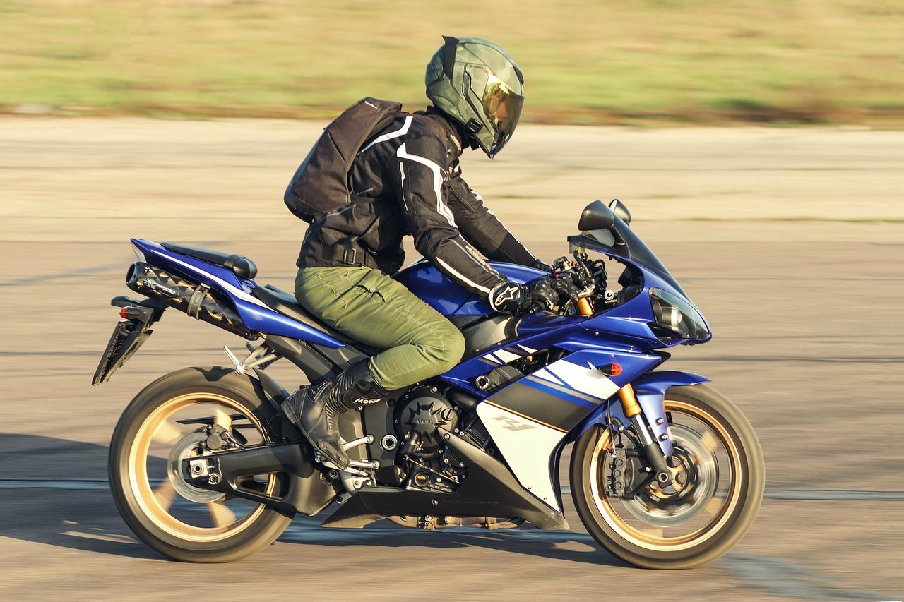 Los mejores regalos que le puedes hacer a un motociclista