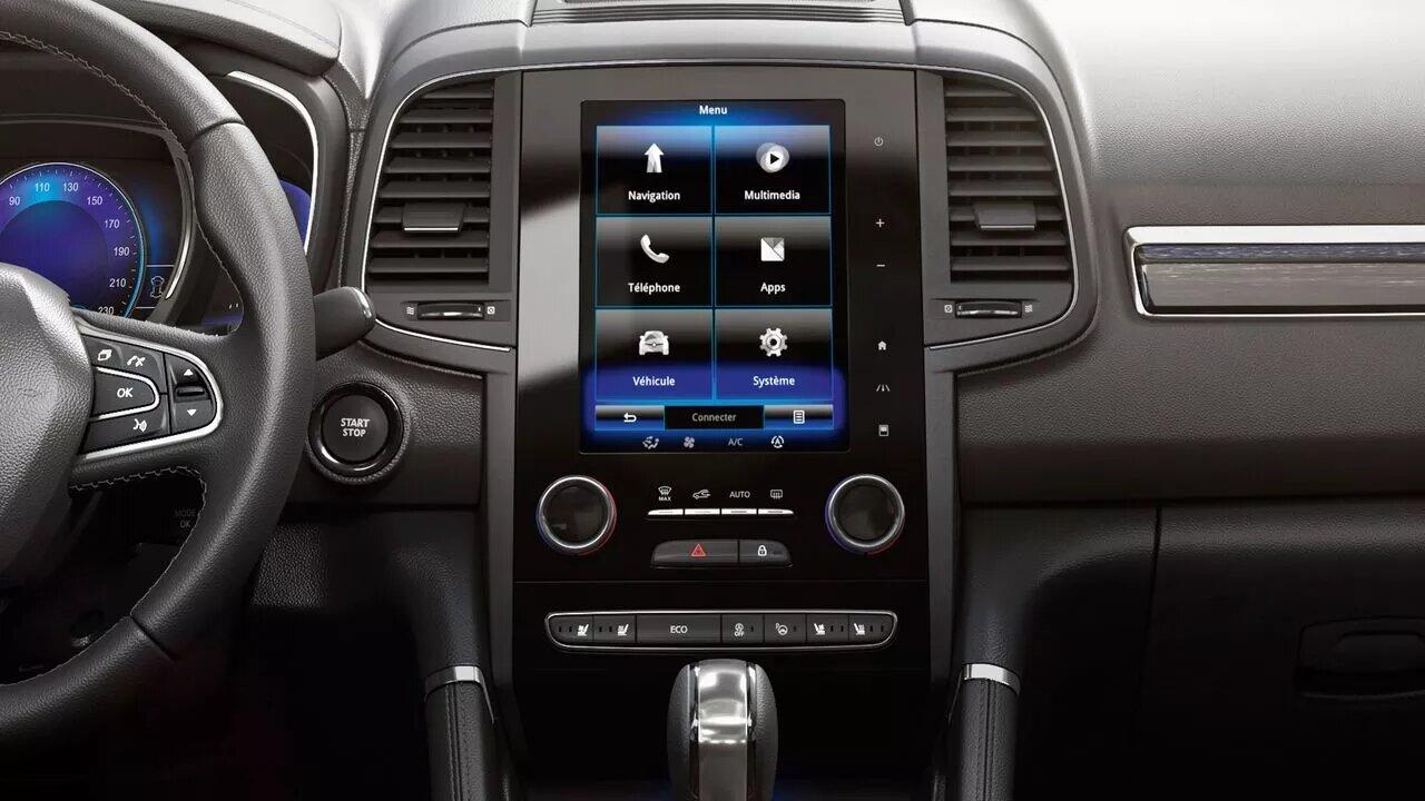 la pantalla de Renault Koleos Iconic 2020 resena opiniones vertical facilita la gestión de las opciones multimedia