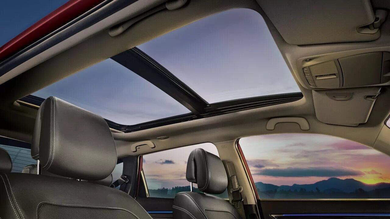 Renault Koleos Iconic 2020 resena opiniones Incorpora el techo panorámico Open Sky eléctrico, que ofrece gran luminosidad al habitáculo
