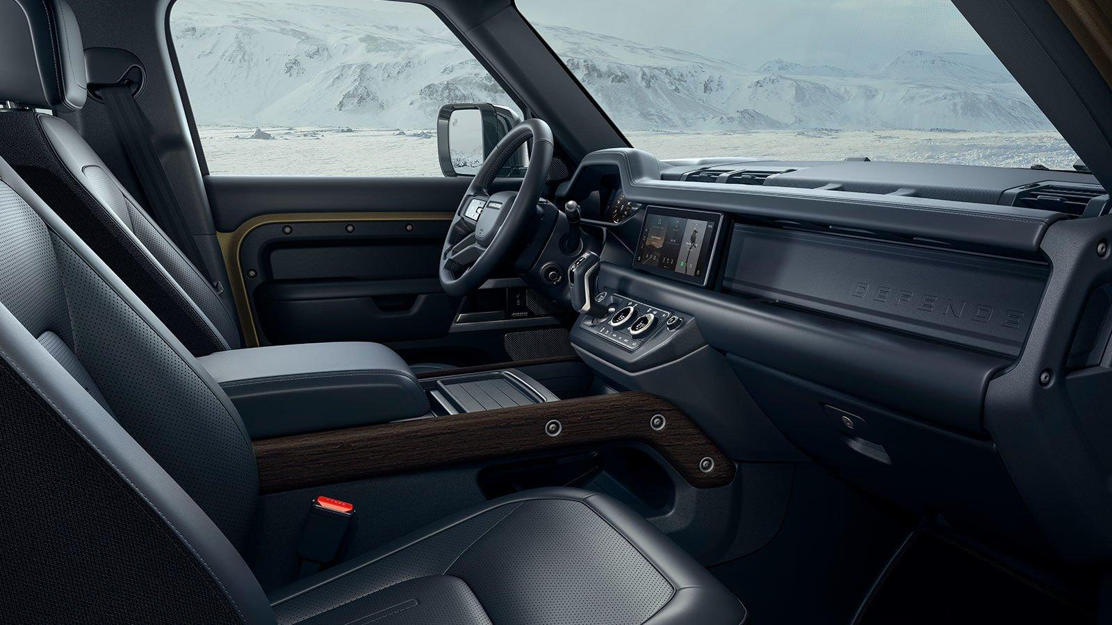 El interior de Land Rover Defender 2020 precio en México es funcional, lujoso y tecnológico